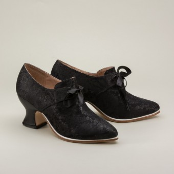 """""""Pompadour"""" French Court Shoes (Black)(1680-1760)"""