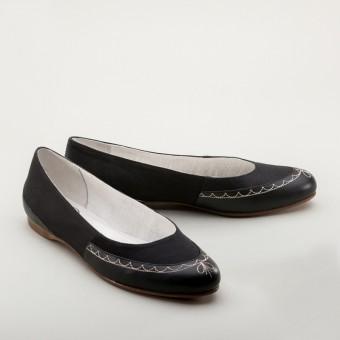 """Dashwood"" Regency Slippers (Black)(1800-1820)"