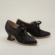 """Pompadour"" French Court Shoes (Black)(1680-1760)"