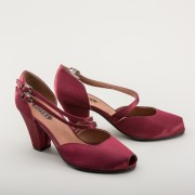 """Zella"" 1940s Duo-Strap Sandals (Cranberry)"